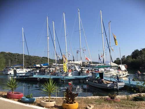 Flottieljezeilen vloot bij taverna